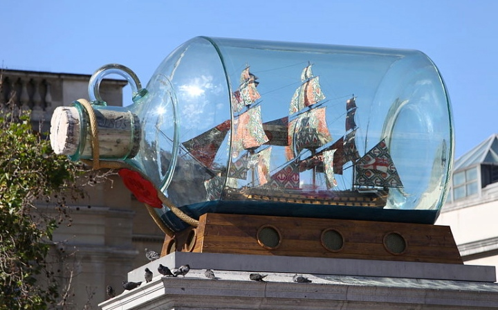 Nelson's_Ship_in_a_Bottle_by_Yinka_Shonibare