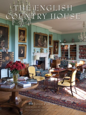 english-country-house-book-review-the-aestate-3