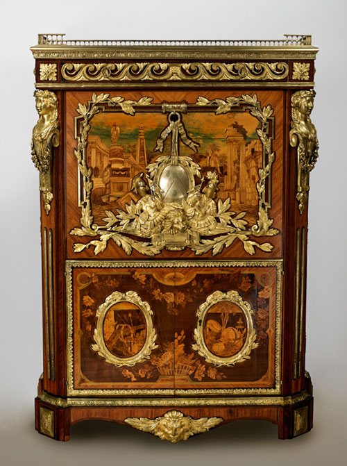 Display Reproducing The 18th Century Copying French