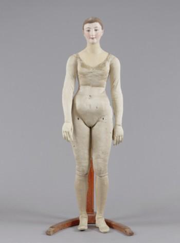 Paul Huot,  Female Mannequin, ca. 1816; wood, metal, horsehair, wax, silk, cotton and painted papier-mâché head, 163 x 65 cm, (Museumslandschaft Hessen Kassel, Sammlung Angewandte Kunst)
