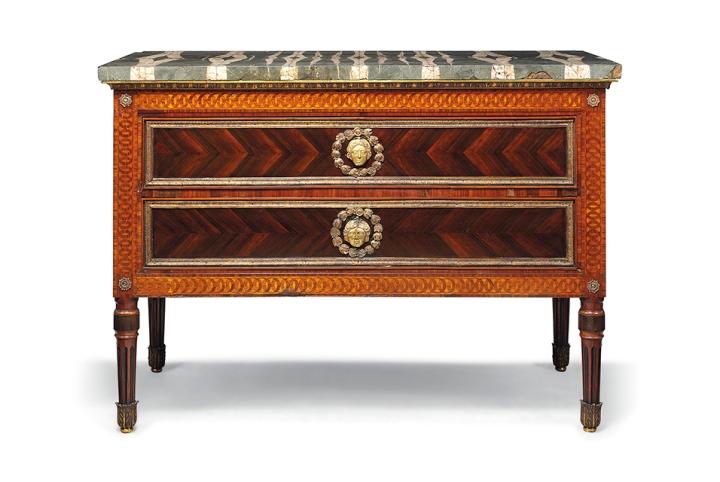 at auction un moment de perfection furniture. Black Bedroom Furniture Sets. Home Design Ideas