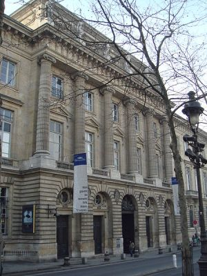 Jacques-Denis Antoine, Hôtel de la Monnaie,1767–75 (Photo: Wikimedia Commons)