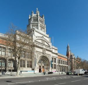 The southern entrance of the Victoria and Albert Museum in London (Photo by David Iliff, 24 March 2014, Wikimedia Commons)