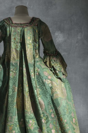Dress and Petticoat (robe à la française), ca. 1740, silk damask satin ground silk brocaded and filé (Collections UFAC, Les Arts Décoratifs, Paris / photo by Jean Tholance)