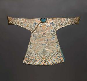 Coat, early 18th century, Chinese. Brocade, 54 x 81 inches (Kansas City: The Nelson-Atkins Museum of Art)