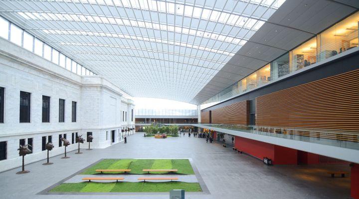 art_museum_atrium