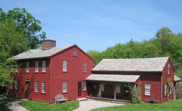 1280px-fruitlands_museum_-_exterior_bronson_alcott_farmhouse