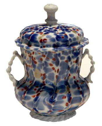 Glass sugar bowl, Venice, 18th century, glass and chalcedony (Murano: Museo del Vetro).